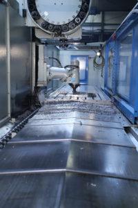fräsmaschine stahlbearbeitung